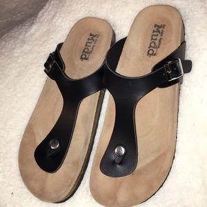 Mudd size 10. Black thonged Sandals
